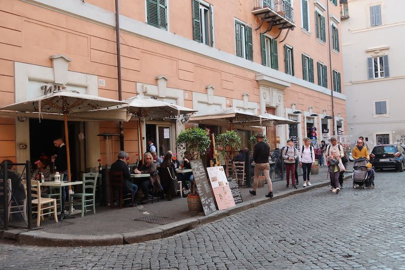 plazas del Trastevere