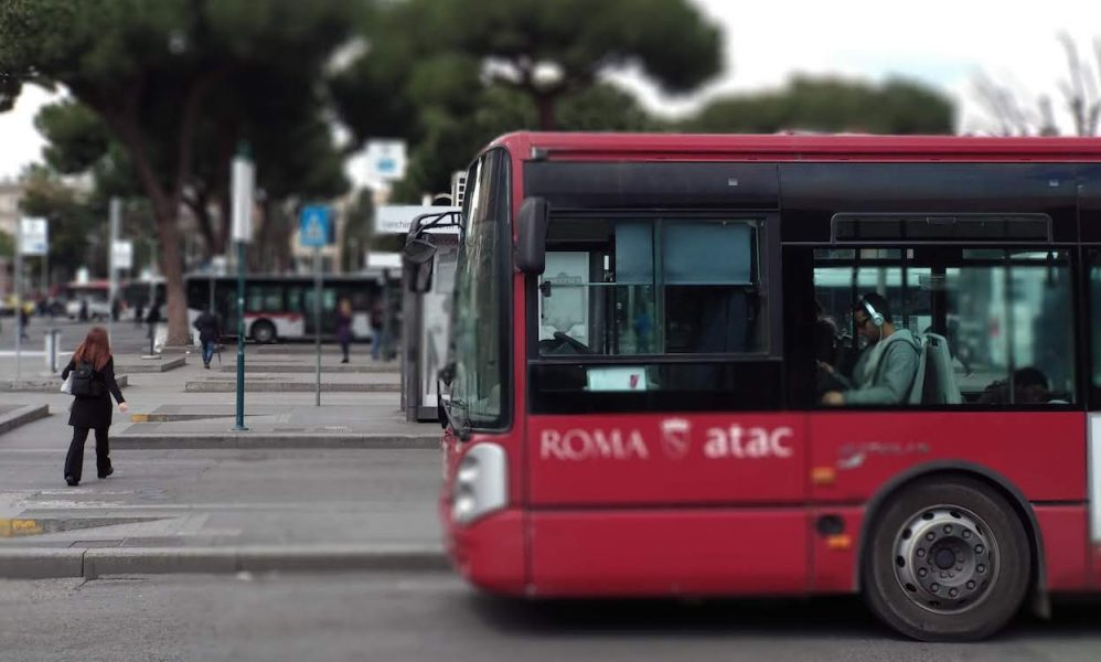 autobús en Roma