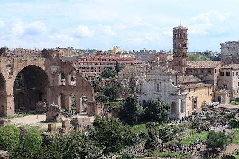Roma diferente