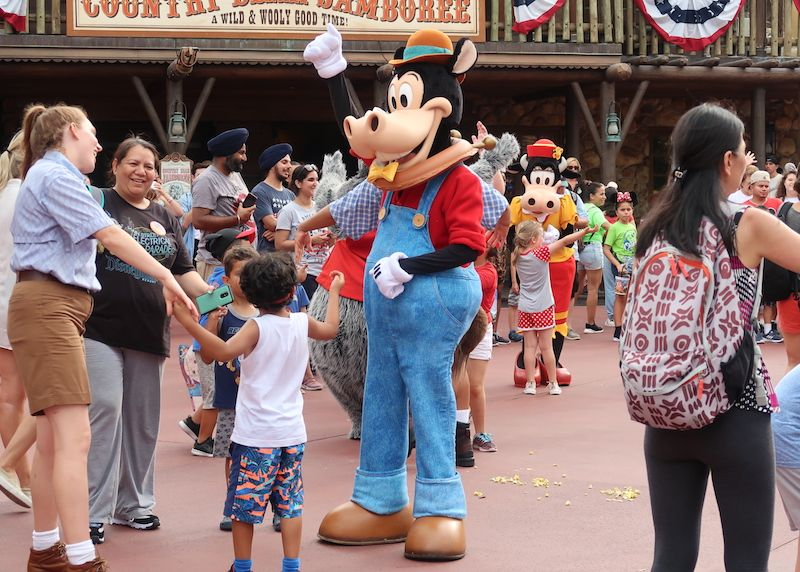 personajes Disney en Magic Kingdom
