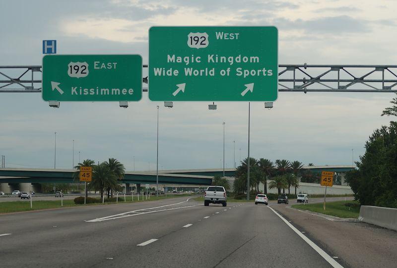 transporte entre parques Disney Orlando