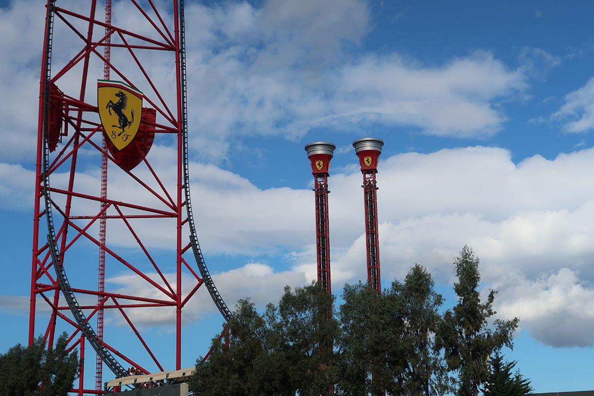 Atracciones de Ferrari Land.