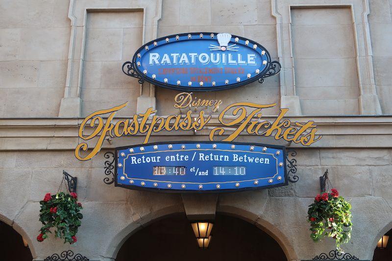 Para que atracciones sirve el FastPass Disneyland